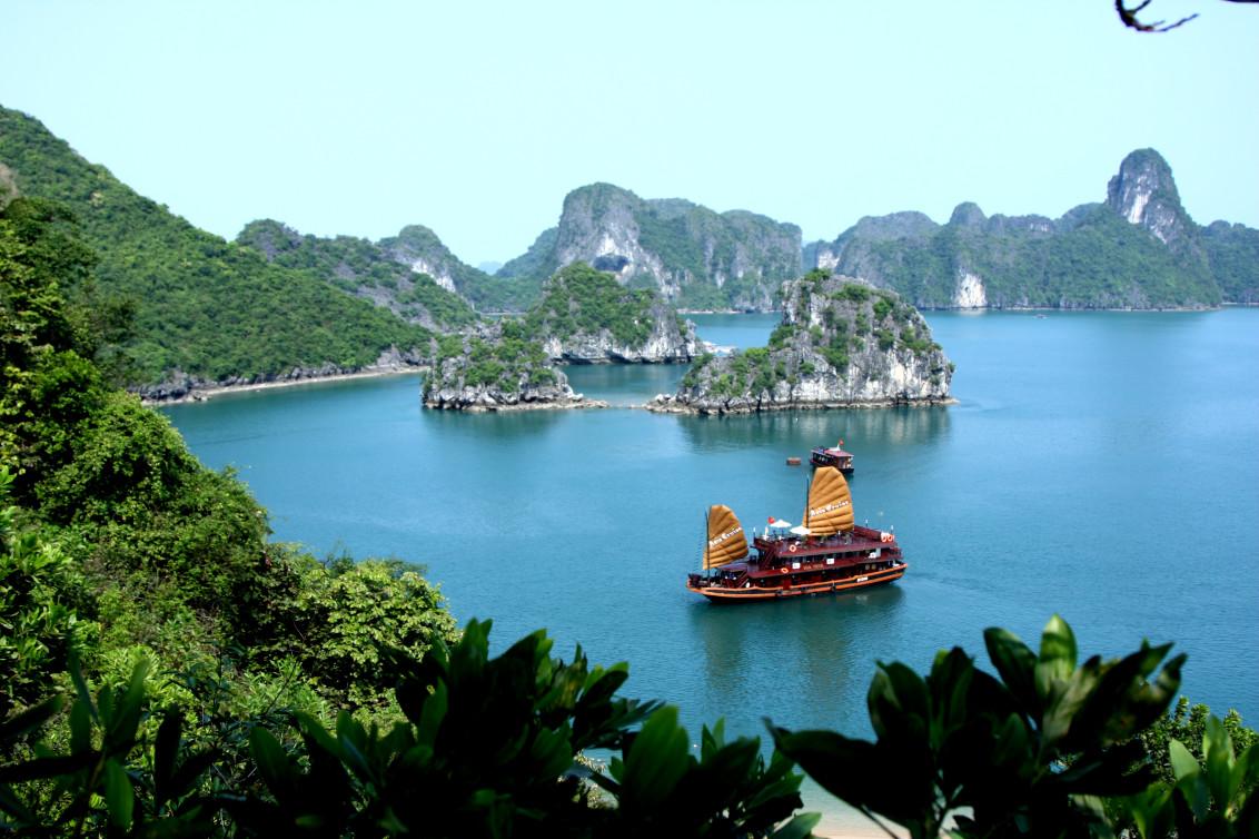 Бухта Халонг, Вьетнам