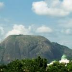 Гранитный монолит Aso Rock (Абуджа)