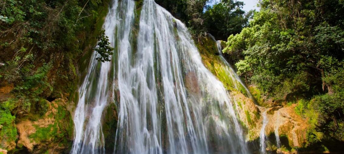Водопад Эль-Лимон (Доминиканская Республика)