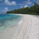 Пляж в лагуне острова Fakanava