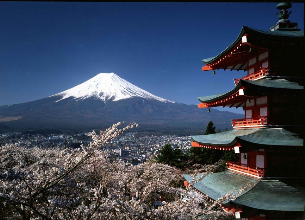 Япония (Гора Фудзи)