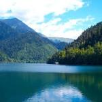 Озеро Большая Рица