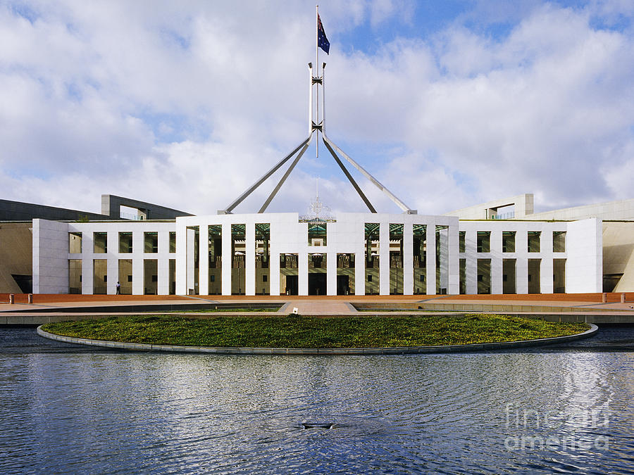 the australian commonwealth parliament The legislative power of the commonwealth shall be vested in a federal parliament, which shall consist of the queen, a senate, and a house of representatives, and which is hereinafter called the parliament, or the parliament of the commonwealth.