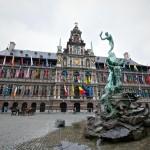Городская ратуша и фонтан Брабо (Антверпен)